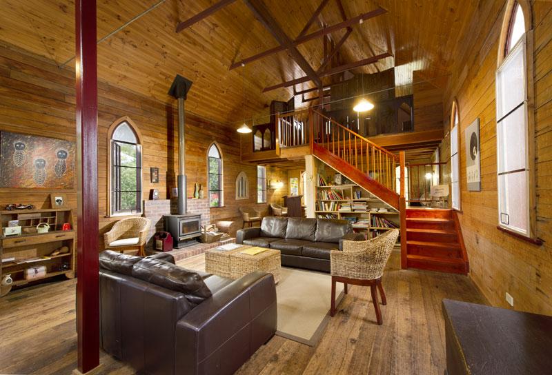 Church-loft-living-area-800