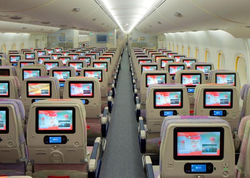 RUND UMS FLIEGEN: Airlines kassieren ab – neue Extrakosten in der Economy Class
