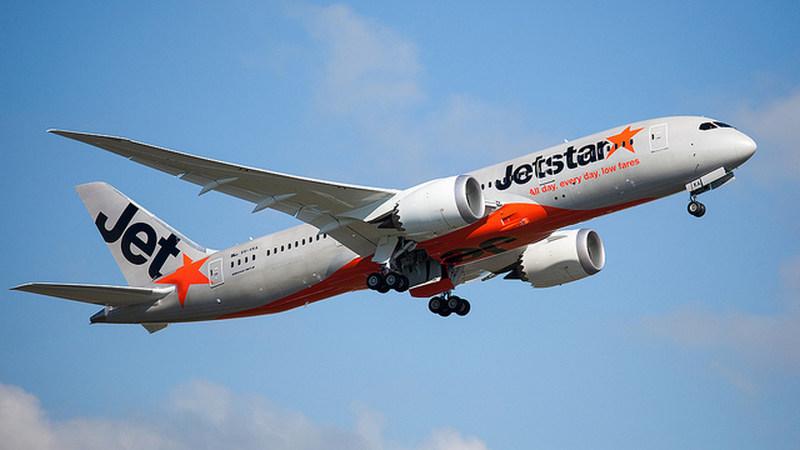 Ein Flugzeug der Fluglinie Jetstar Airways