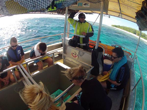 Ausflug auf einem Glasbodenboot