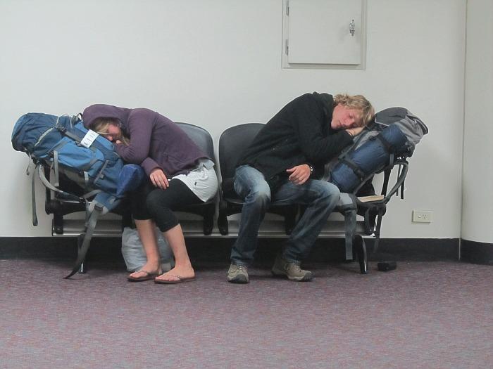 RUND UMS FLIEGEN: 20 Tipps gegen Langeweile am Flughafen