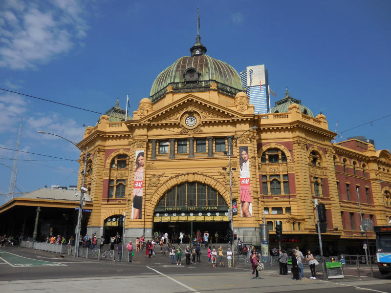 Melbournes Bahnhof Nr.1: Flinders Street Station!