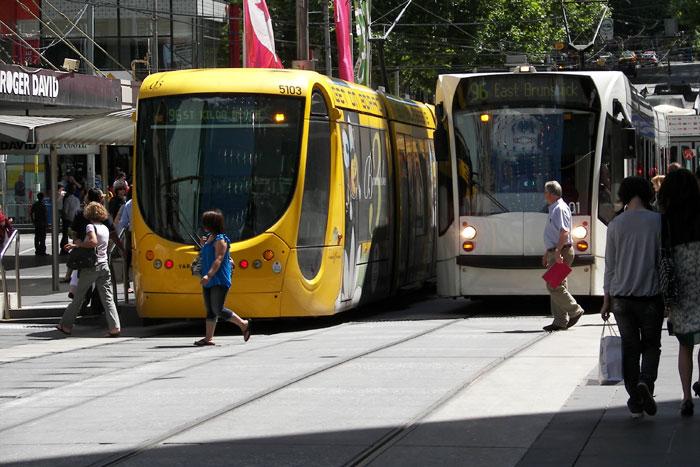 Das neue Angebot an öffentlichem Transport ist sehr hilfreich, um das Nachtleben anzukurbeln.
