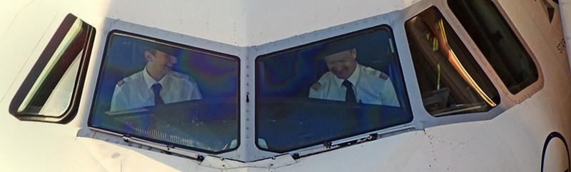 Die Piloten von Jetstar Airways hatten auch gut lachen, nachdem sie die Maschinen sicher landen konnten.