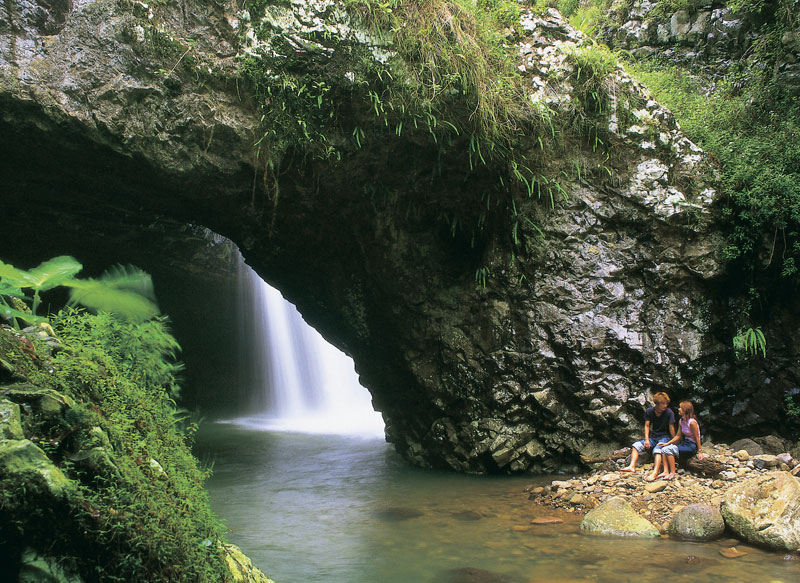 teq-natural_arch_waterfall-800