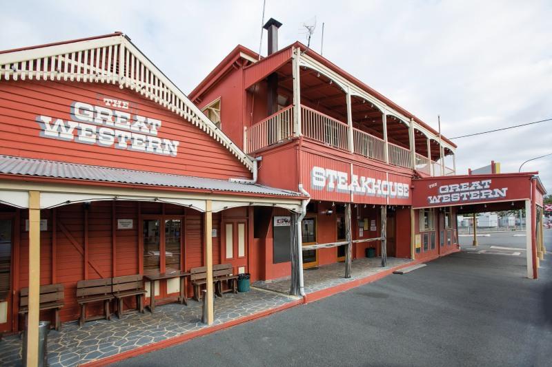 Great Western Hotel & Steakhouse