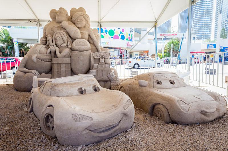 Sand-Skulpturen an Queenslands Küste