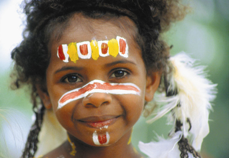 Mit Australiens Ureinwohnern Schmuck herstellen und die Busch-Küche kennenlernen