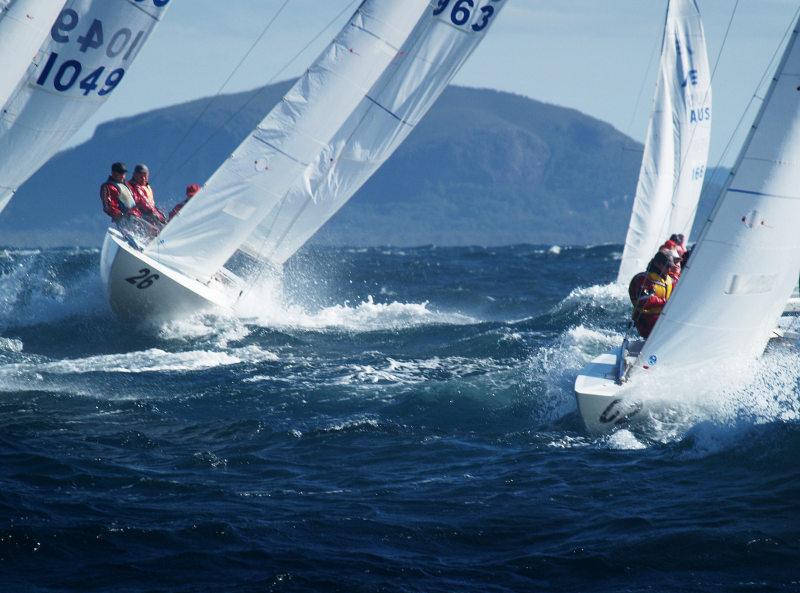 Das Segelrennen in Airlie Beach ist nicht nur für die Segler ein freudiges Erlebnis!