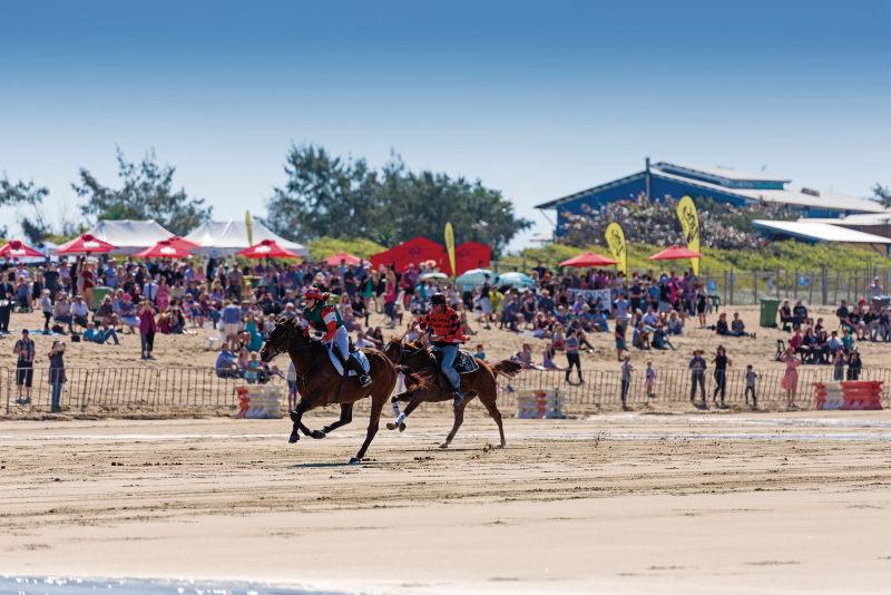 Eines der individuellen Rennen am Strand von Mackay Harbour