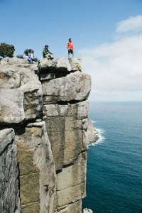 Unterwegs auf dem Three Capes Track: pausieren und den Blick genießen