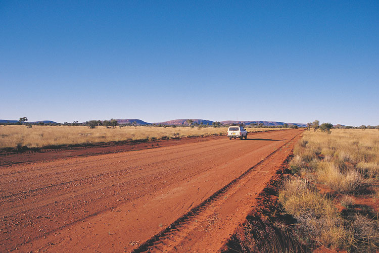 Der Gunbarrel Highway im Outback